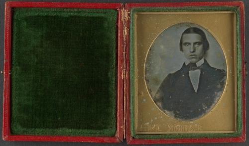 Wikioo.org – La Enciclopedia de las Bellas Artes - Pintura, Obras de arte de Samuel Finley Breese Morse - retrato de un jóven hombre
