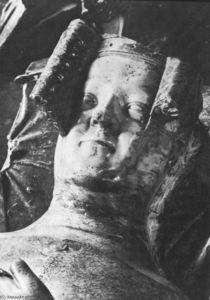 Tomb of Philippa Hainault (detail)