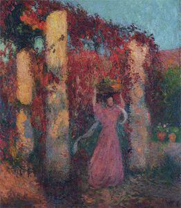 Jeune Femme de Pergola de Vigne Vierge Rouge
