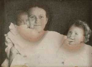 Untitled (Helen Cornell with daughters Elizabeth and Helen